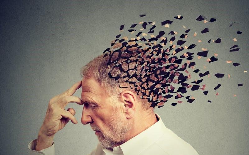 Người mắc bệnh Alzheimer thường suy giảm trí nhớ