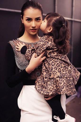 Hồng Quế và con gái
