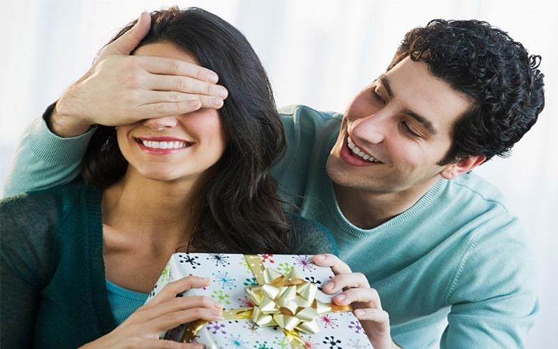Một bất ngờ sẽ giúp đối phương hạnh phúc và choáng ngợp