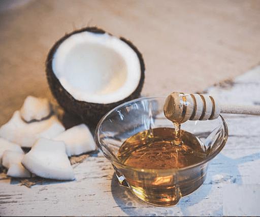 Mặt nạ dưỡng da bằng dầu dừa và mật ong