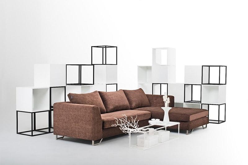 Ghế sofa là vật dụng nên có trong phòng khách